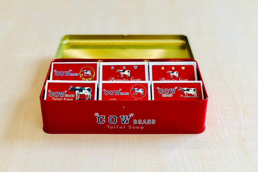 「赤箱 AWA−YA」限定のグッズ