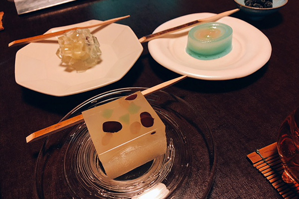 下鴨「茶寮宝泉」の古田智史氏によるオリジナル上菓子がいただける