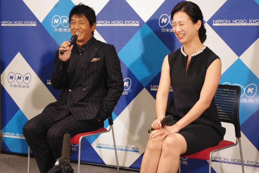 撮影現場は「本当にオヤジばかりで、戸田さんは本当にオアシス」と顔のほころぶ高橋