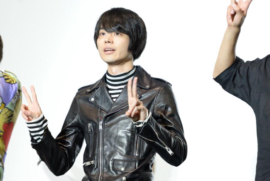 映画『銀魂2 掟は破るためにこそある』の舞台挨拶に登場した菅田将暉(18日・大阪市内)