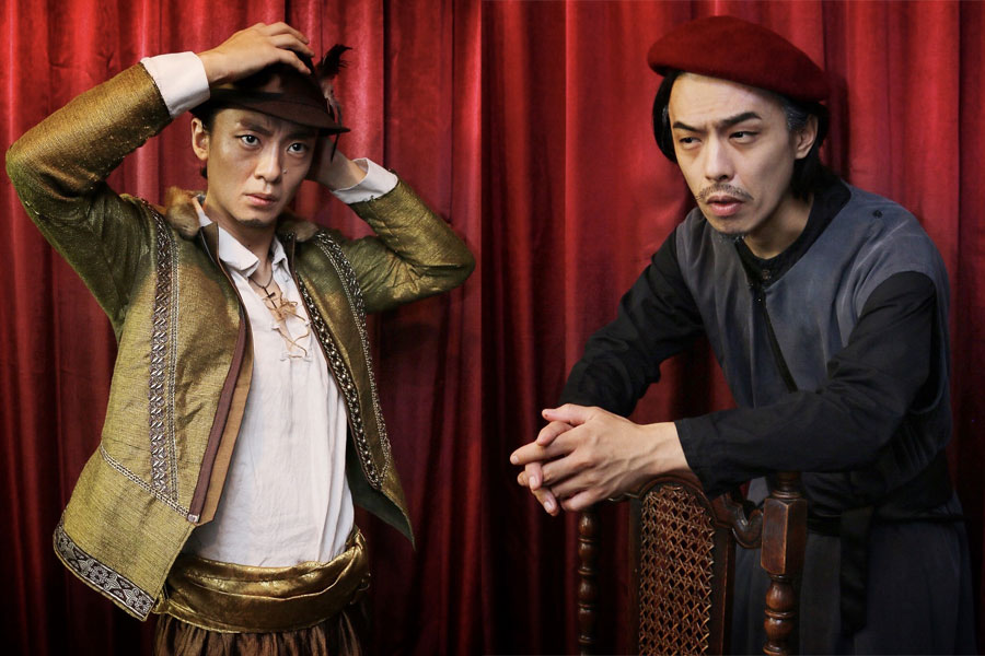 左からアントーニオ役の大西輝卓、シャイロック役の樽谷佳典