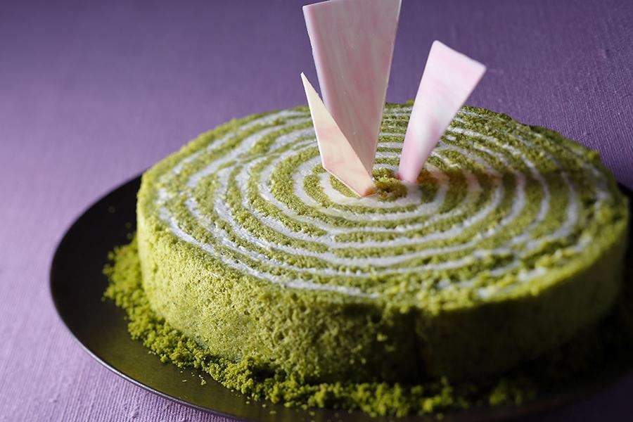 渦巻き状になるようクリームをサンドした「抹茶ネイキッドケーキ」