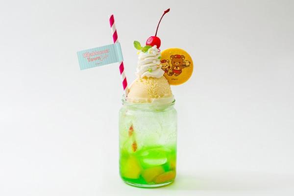 大阪限定の「ツートンメロンクリームソーダ」(990円+税)
