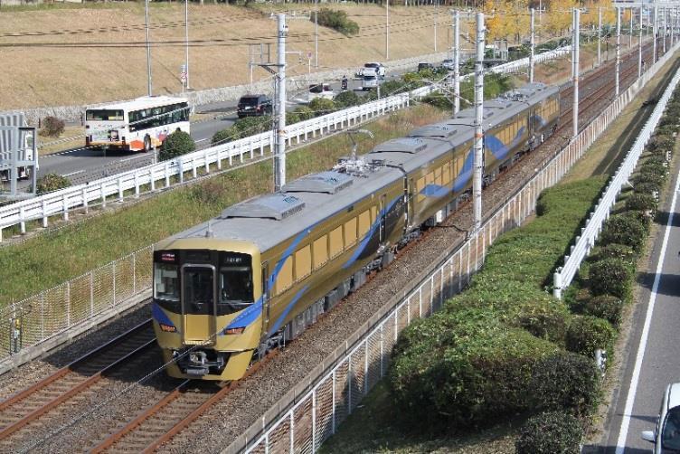南海・難波駅と泉北高速・和泉中央駅を最速29分で結ぶ泉北ライナー