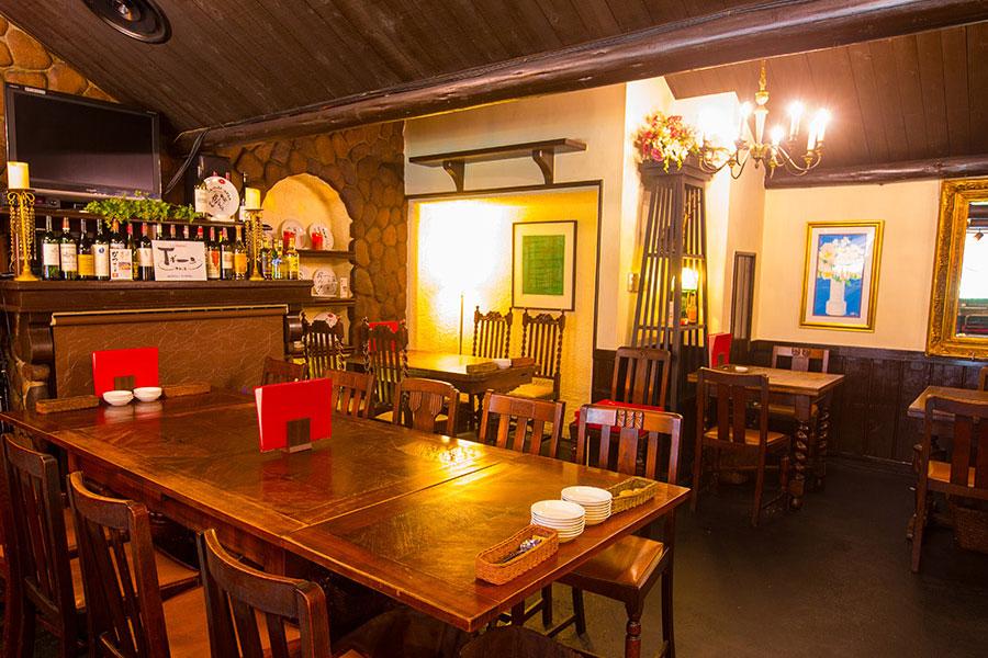 現在の「洋食とワインのお店土筆苑」店内風景