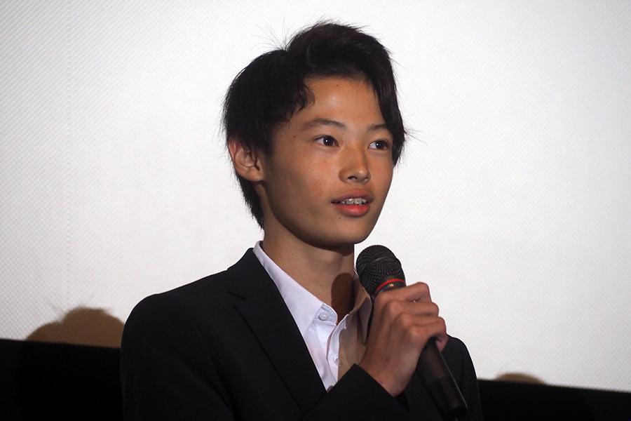 デビュー作『泣き虫しょったんの奇跡』の舞台挨拶に登場した窪塚愛流(9日・大阪市内)