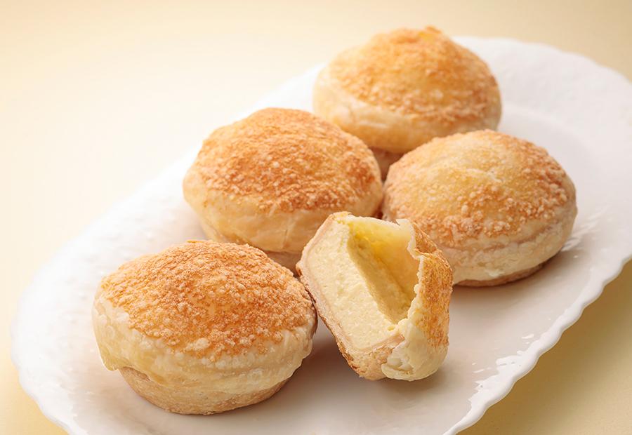 パイで包まれたチーズタルトは、パルメザンチーズの香ばしさと塩気がポイントに