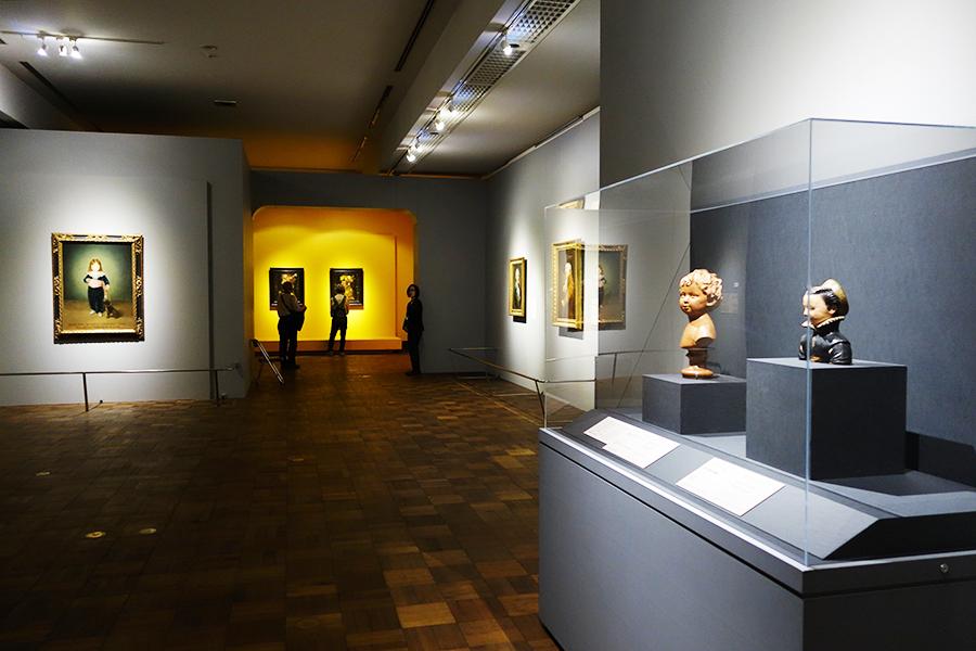 古代から19世紀の作品までを展示