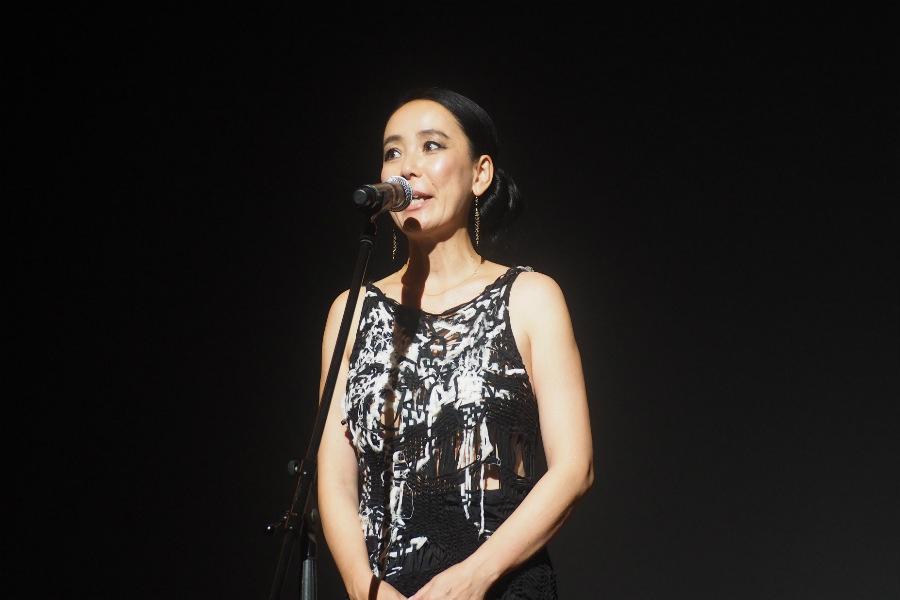 河瀬直美監督の口から発表された、樹木希林さんへの特別功労賞の授与(20日・奈良市内)