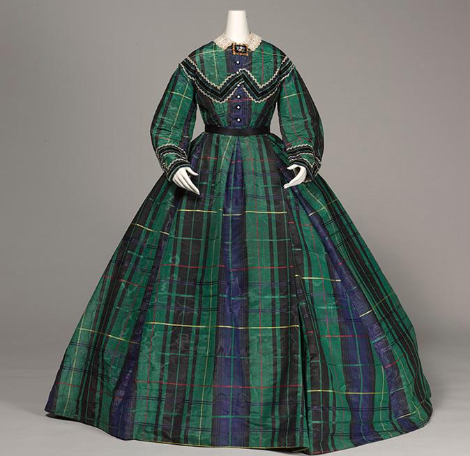 アフタヌーン・ドレス 1865年頃 神戸ファッション美術館蔵
