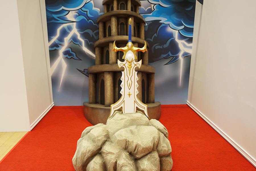 獣神化したキャラクター「アーサー」を記念した展示