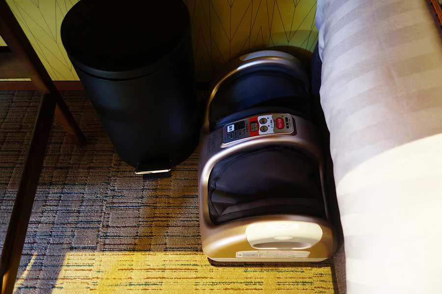 遊んで疲れた足を癒やすために、全室にフットマッサージ機