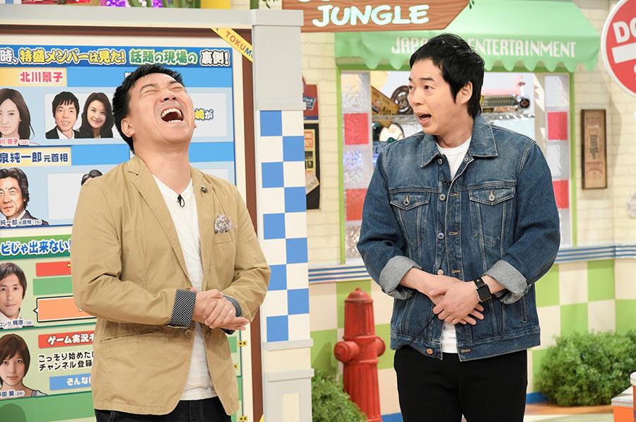 番組MCをつとめる今田耕司(右)と月亭八光 © ytv