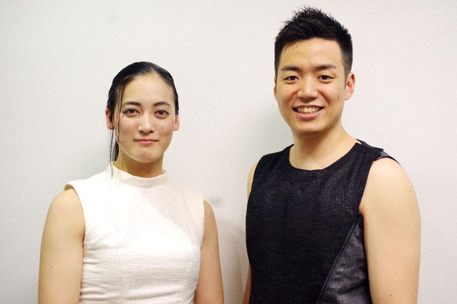 ワールドミュージックなど、自分の好きなことを話し出すと止まらない住吉(右)とメンバーの山脇千栄