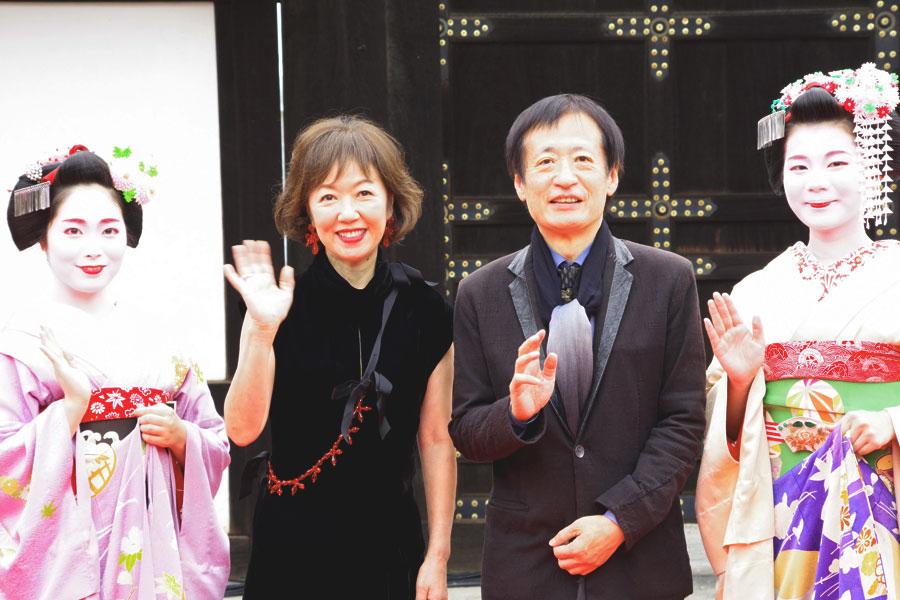 制作発表をおこなった浅田美代子(左)と奥山和由