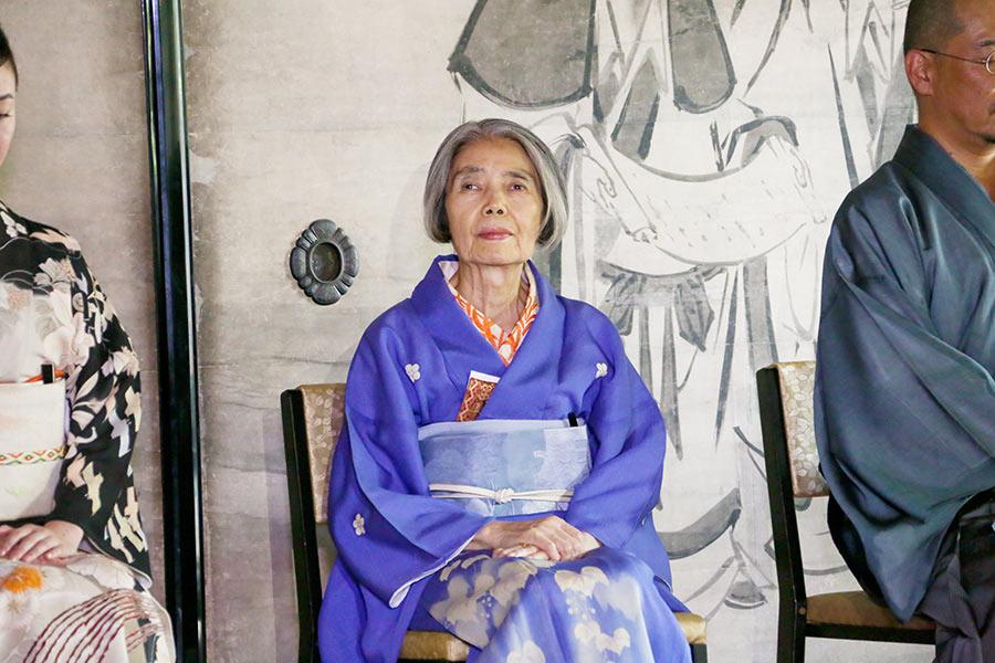 京都「建仁寺」でおこなわれた献茶式に出席した樹木希林さん(7月31日・京都市内)