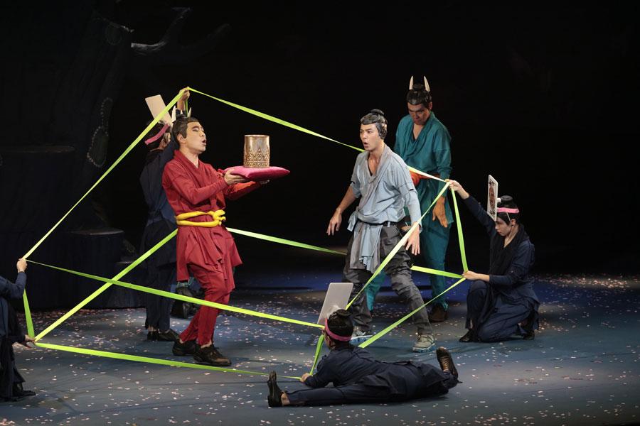 NODAMAP第22回公演『贋作 桜の森の満開の下』東京公演より 写真/篠山紀信
