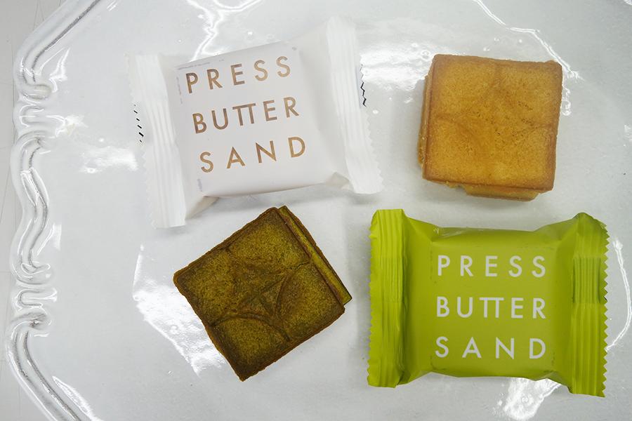下が限定の「バターサンド〈宇治抹茶〉」。抹茶バタークリームとキャラメルバターの2層仕立て
