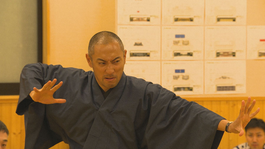 歌舞伎に全てを捧げ、体作りに取り組む市川海老蔵