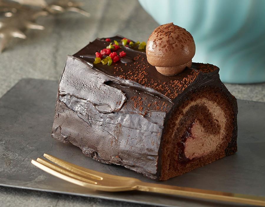 チョコレートにラズベリージャムがアクセントの「ブッシュドノエル」は460円(税別)。11/1〜12/25の販売
