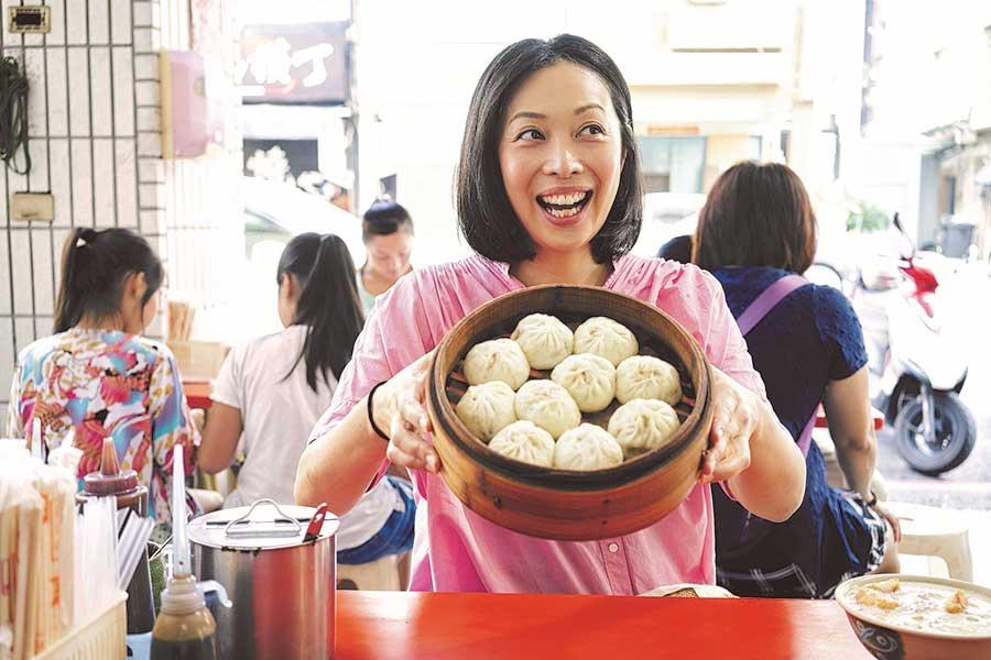 台湾についての著書も多数ある青木由香さん。関西のイベントに出店するのはレア!