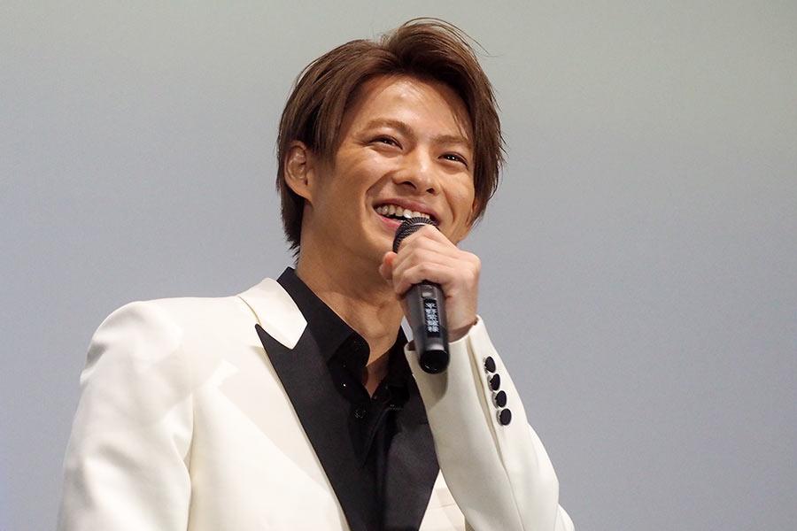 主演映画『ういらぶ。』の舞台挨拶に登場したKing & Princeの平野紫耀(10日・大阪市内)