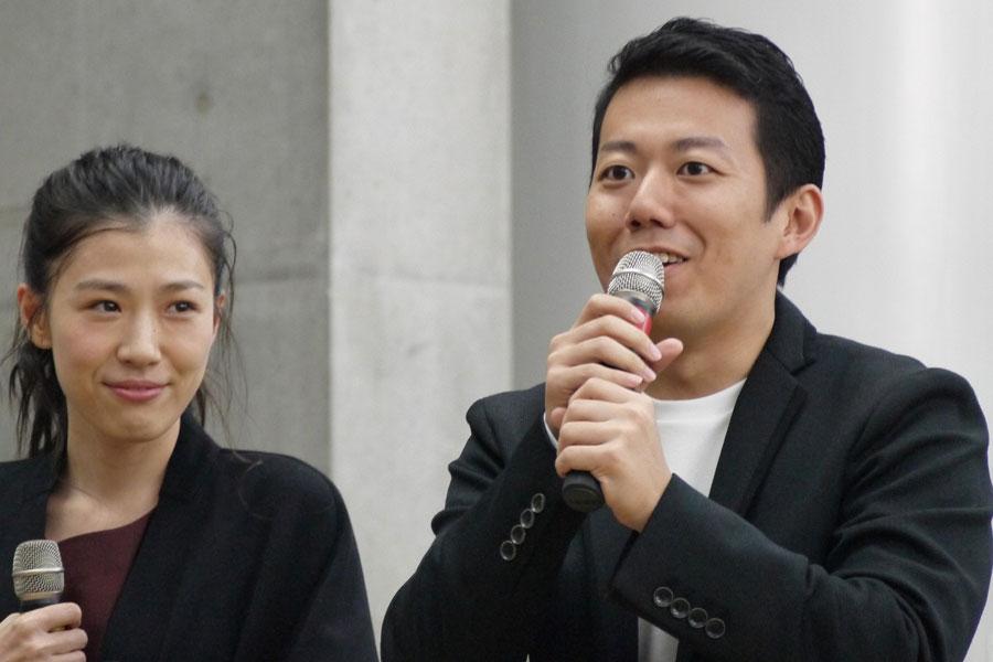 ホテルの調理師・野呂幸吉を演じた藤山扇治郎(左)