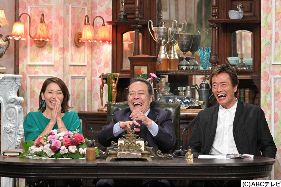 (左から)見習い秘書のヒロド歩美、西田敏行局長、遠藤憲一顧問