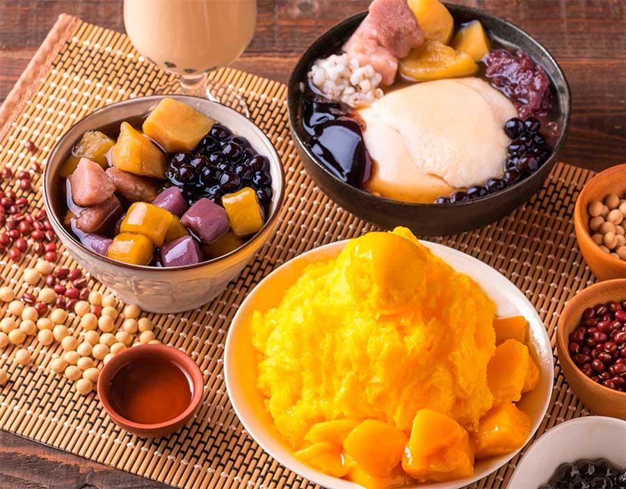 台湾式かき氷、豆花、芋圓などのスイーツがそろう
