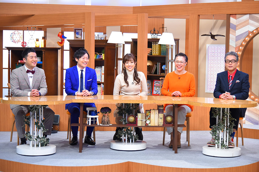 パネラーは、左から和牛、菊地亜美、柴田理恵、円広志 写真提供:MBS
