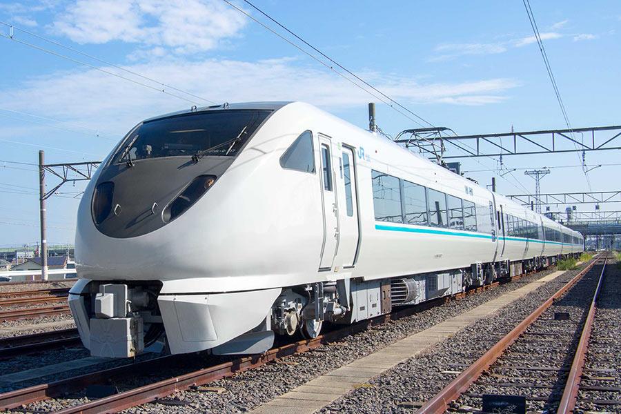 2019年春からの運行が発表されたJR神戸線の通勤客向け特急「らくラクはりま」
