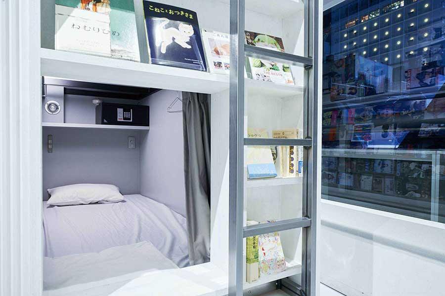 ベッドのなかに好きな本を持ち込んで楽しめる