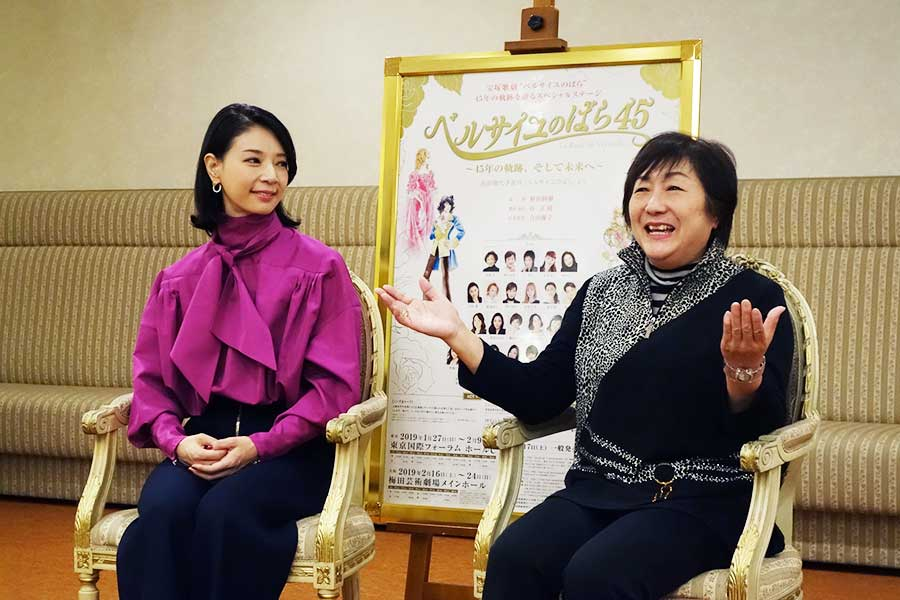 女優・京塚昌子から巻物の達筆で丁寧なお手紙をいただいたと当時の驚きを話す