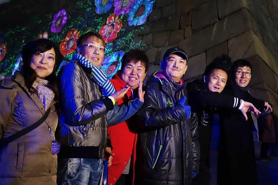 「現実と夢の間を歩いていたような気持ちになりました」と後藤ひろひと(右から3番目)、「太閤秀吉さまも喜んでおりましたぞ」とミサイルマン岩部