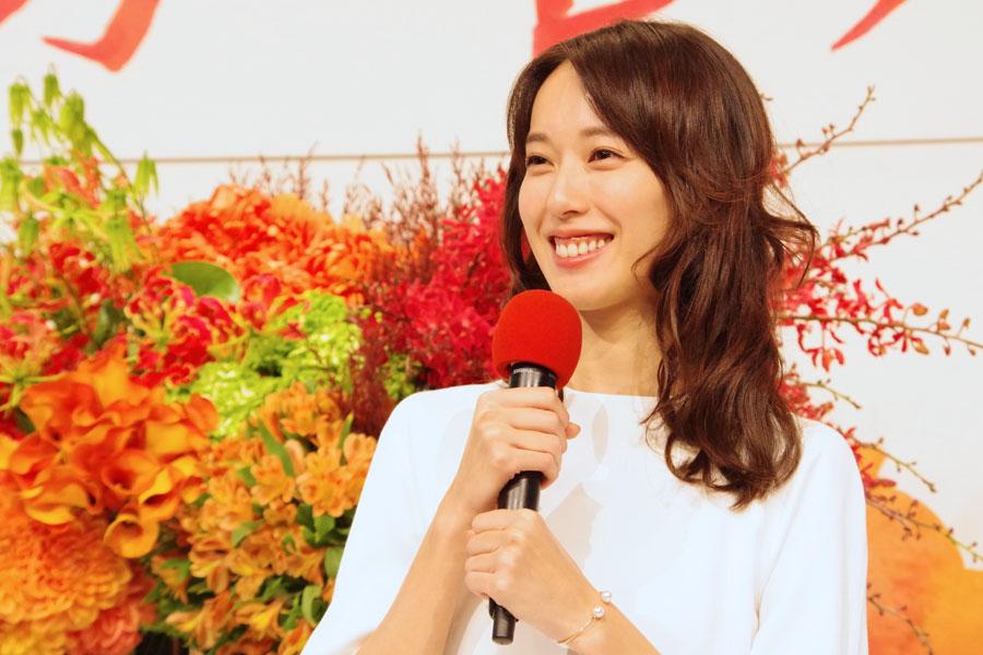 ある人は誰かお聞きしないほうが良いですよね、の問いに「そうですね」と笑顔で応える戸田恵梨香
