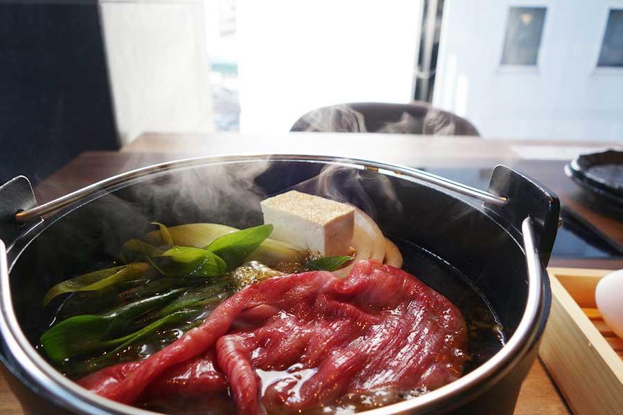 「すき焼 串焼き 北斗 GEMSなんば店」のイチオシは1人すき焼き