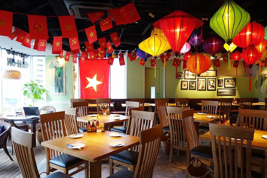 「ベトナムレストランカフェ カムオーン」はベトナム雑貨がディスプレイされ、かわいい雰囲気