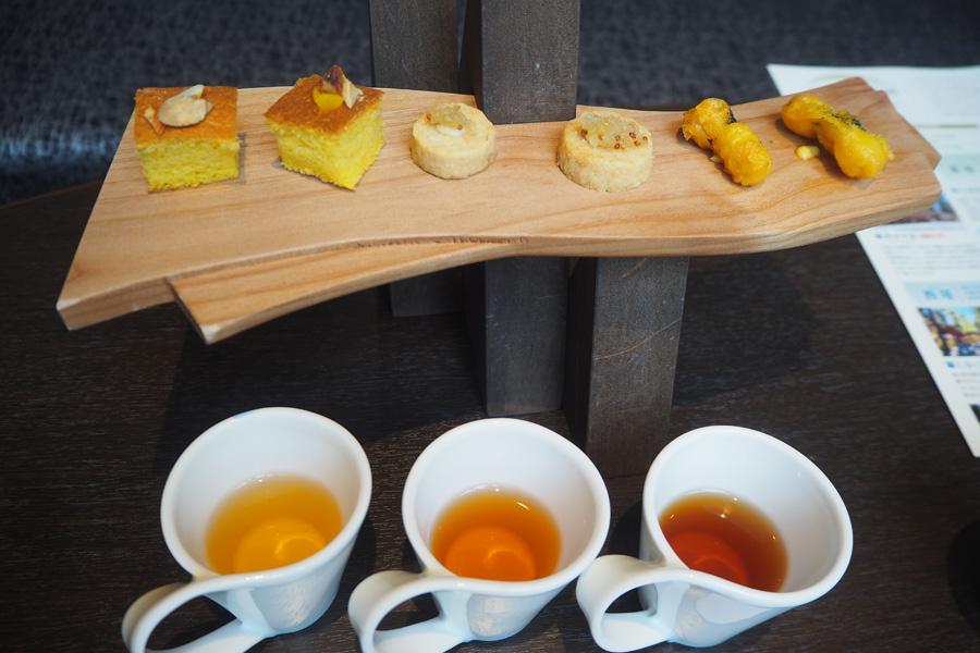 ほうじ茶の飲み比べは、茶葉を発酵させた熟成度合いで味が全然違うので楽しい