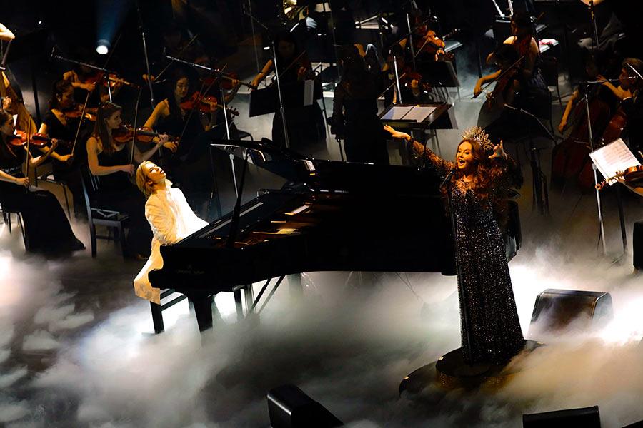 サラ・ブライトマンが歌うのは、YOSHIKI作詞・作曲の『Miracle』