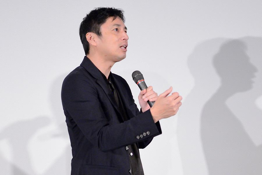 主演映画『鯉のはなシアター』の舞台挨拶に登場したチュートリアル徳井義実(26日・大阪市内)