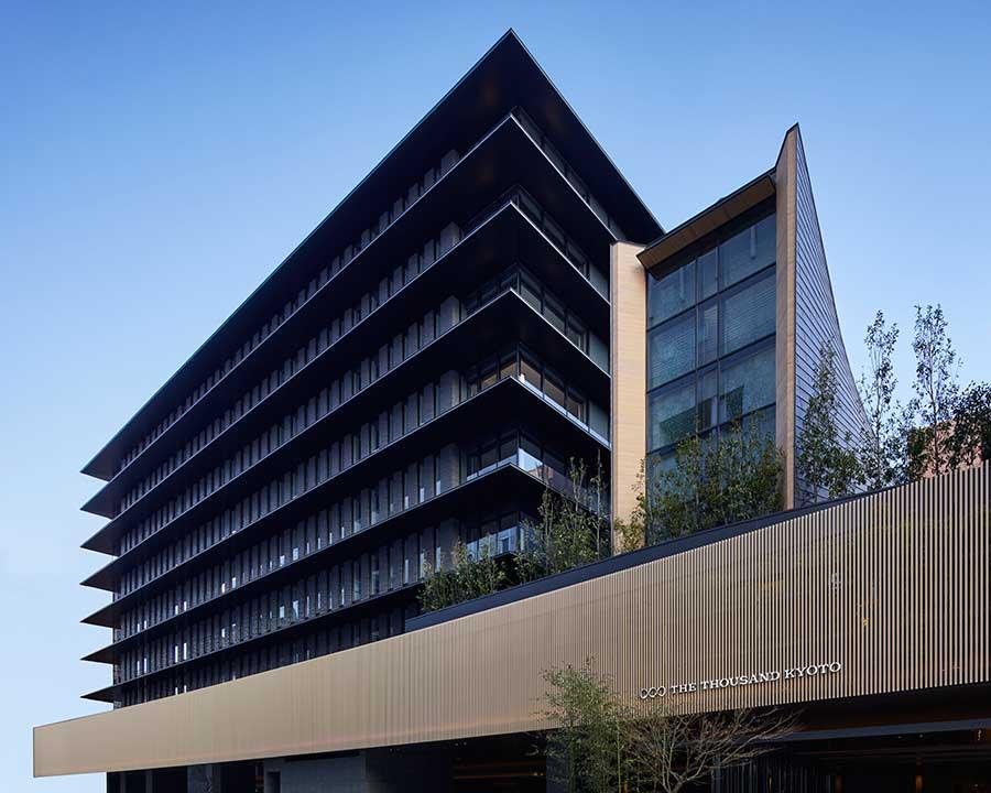 地上9階、地下1階のTHE THOUSAND KYOTO。京都センチュリーホテルに隣接する