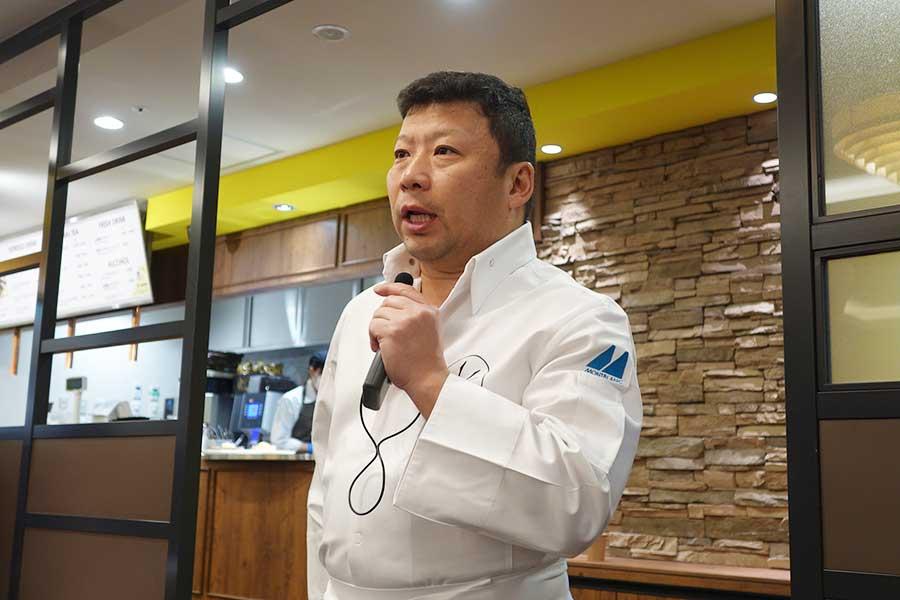 カイザーさんから、ブランドを任された木村さん。「パンのある生活を共有したい。パン生地が欲しいといったリクエストなどにも応えていきたい」と話す