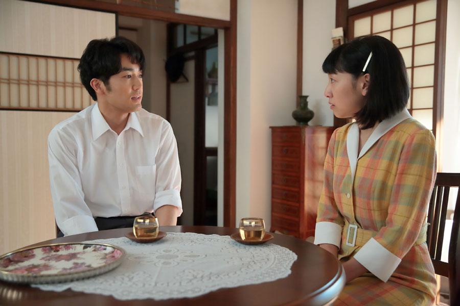 「立花さんには、お礼を伝えてくれた?」と真一(大谷亮平)に聞かれ「会うてないんです」と答える福子(安藤サクラ)