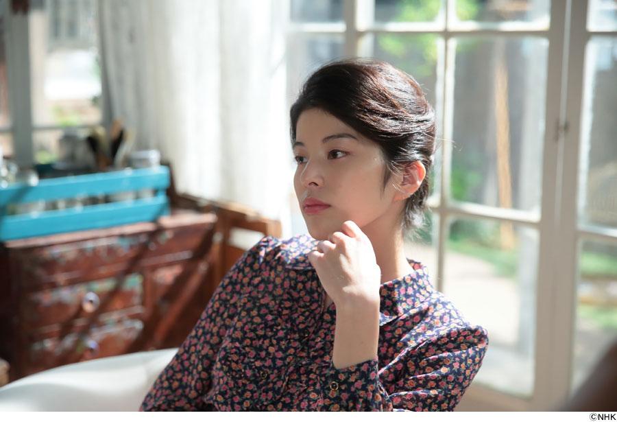 画家の香田忠彦(要潤)が描く美人画のモデルを演じる「さとうほなみ」こと「ほな・いこか」