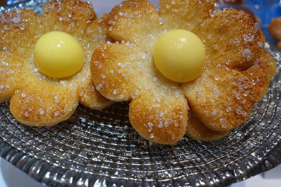 お花型のパイ菓子マルチェナ、8個入り1210円