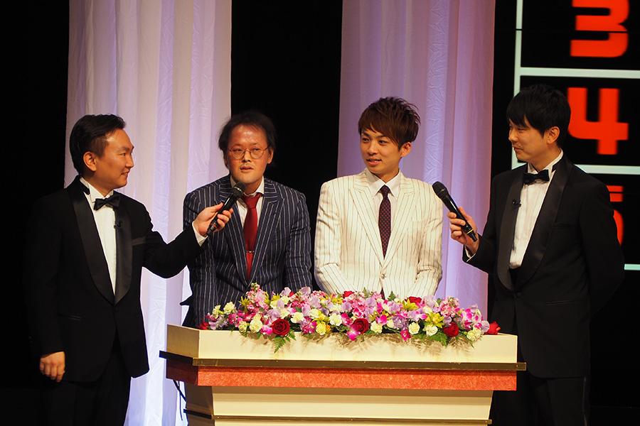 男前1位に河井、ブサイク1位に稲田とコンビともにトップに輝いたアインシュタイン(14日・大阪市内)