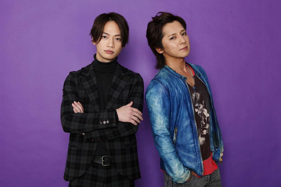 舞台『絶唱サロメ』のメインビジュアルより、池田純矢(左)、松岡充