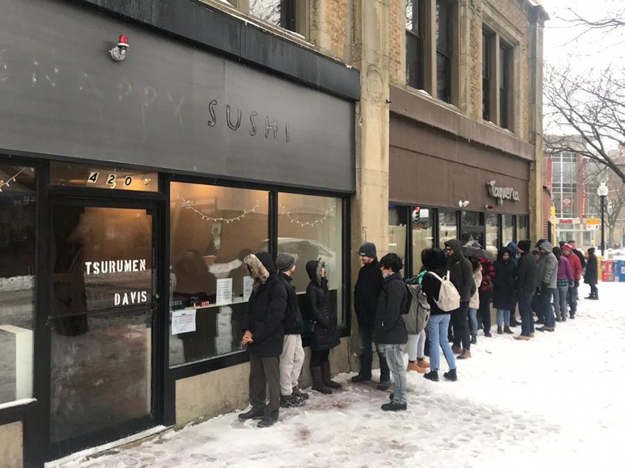 2018年4月に米・ボストンで「Tsurumen Davis」を開店。極寒のなか、店前は大行列