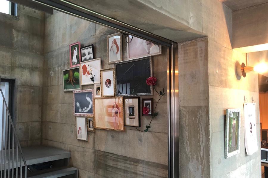 Charaが物語、妹の綿引光子が絵を担当した絵本『LITTLE HEARTBEAT』の世界観が広がるホテル館内