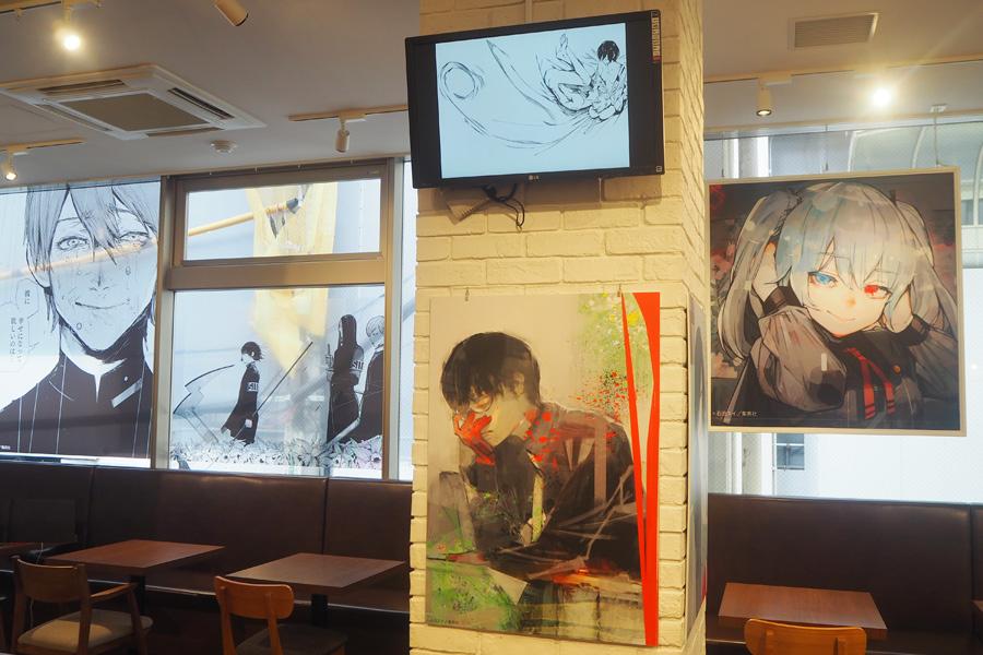 漫画『東京喰種:re』の名場面などが飾られた店内